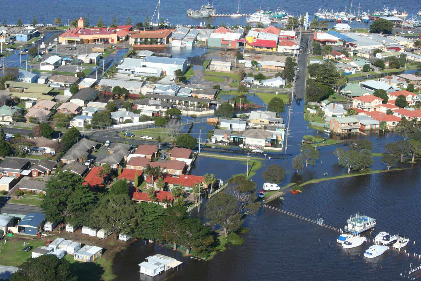 Coastal flooding at Lakes Entrance. Source: Rex Candy East Gippsland Catchment Management Authority